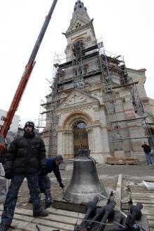 На Кирху поднимают колокола, фотограф Е. Волокин, 27 февраля 2010 г.