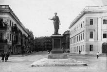 Одесса. Памятник Ришелье на бульваре Фельдмана. 1930-е гг.