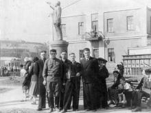 Ул. Московская, № 1. 1 мая 1953 г.