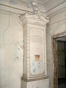 Печь в одном из помещений бывшего Русского технического общества. Фотограф Виктор Баль. 2008 г.