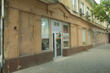 Здание бывшего кинотеатра «Смена». Фото О. Владимирского. 13 июля 2010 г.