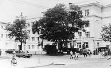 Одесса. Фасада школы № 117. Фото архитектора Николая Рябого. 1978 г.