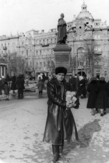На площади Советской Армии