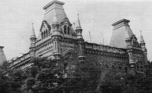 Дом по пер. Суворова, № 2, угол ул. Энгельса