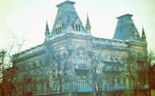 Дом по пер. Суворова, № 2, угол ул. Энгельса. Фото В.Г. Никитенко. 1970-е гг.