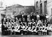 Во дворе 117-й школы. Одесса, 1959 г.