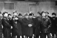 Приёмочная комиссия перед открытием здания театра