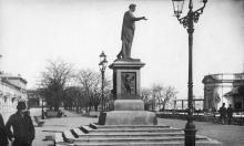 Одесса. Памятник Ришелье на Николаевском бульваре. 1910-е гг.