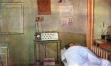 Уголок кабинета физиотерапии. Каждый аппарат снабжен электронным выключателем и счетчиком процедур. Фото И.С. Карпа в проспекте «Республиканский детский клинический санаторий им. Октябрьской революции», 1983 г.