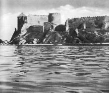 Фото Д.П. Вздвижкова в фотоочерке «Белгород-Днестровская крепость», 1975 г.
