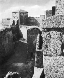 В ходе реставрации крепость приобретает черты, которые она имела в старину. Фото Д.П. Вздвижкова в фотоочерке «Белгород-Днестровская крепость», 1975 г.
