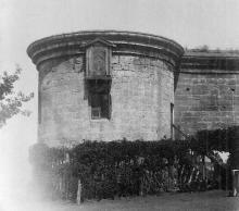 Башня аркадной стены бывш. карантина в Александровском парке, начало ХХ века