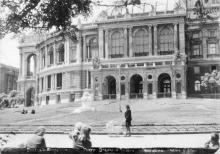 Одесса. Академический театр оперы и балета. Фотооткрытка. По подписи 1948 г.