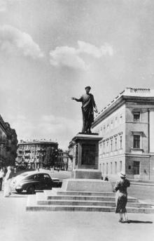 Одеса. На Приморському бульварі. Фото. О. Малаховського. Поштова картка. 1956 р.