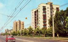 Черемушки. Вулиця Новоселів. Фото А. Підберезького. З комплекту листівок «Одеса» 1973 р.