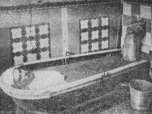 Фото в книге «Методика курортного грязелечения» от 1963 г.: «Ванна парового нагрева из густой грязи. Куяльник, 1927 г.»