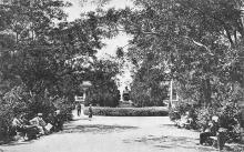 Одесса. Куяльницкий лиман. Парк и памятник Андреевскому. Почтовая карточка. Конец 1920-х гг.