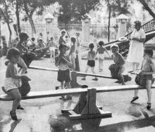 В санатории «Малютка». Фото в фотобуклете «Большой Фонтан», 1974 г.