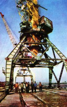 В порту. Фото Р.И. Якименко в буклете «Приглашаем в Белгород-Днестровский», 1974 г.