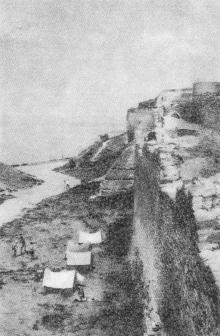 Вид крепости со стороны лимана. Фото Р.И. Якименко в буклете «Приглашаем в Белгород-Днестровский», 1974 г.