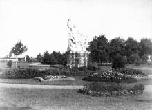Мраморная скульптура «Лаокоон» на даче Маразли на Малом Фонтане, фотография конца XIX века