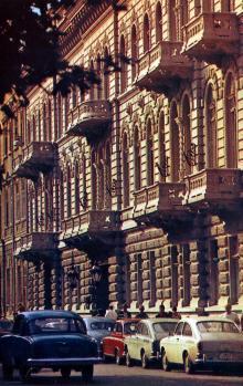 Гостиница «Одесса». Фото Д. Бальтерманца в книге-фотогармошке «Одесса». 1970-е гг.