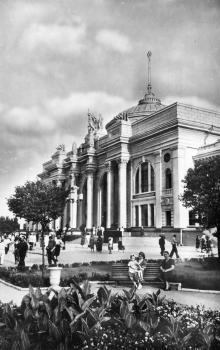 Одеса. Вокзал. Фото М. Рижака та О. Малаховського. Поштова картка випуска 1962 р.