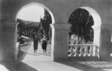 Одеса. Куяльник. Вхід до грязелікарні. Фото Б. Левіта. Поштова картка. 1939 р.