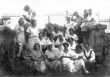 Президиум 1-й женской конференции работниц и крестьянок Одесской губернии, фотография 1921 г.