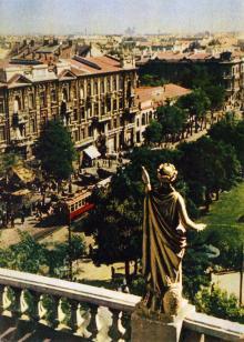 Одесса. Улица Советской Армии. Фото А. Кричевского на открытке из комплекта «Одесса», 1959 г.