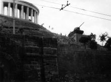 Макет танка, установленный для съемок фильма «Два Федора», 1958 г.