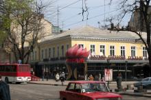 Угол улиц Преображенской и Греческой. Фото Анатолия Дроздовского, апрель, 2004 г.