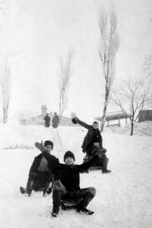 В Херсонском сквере. 1910-е гг.