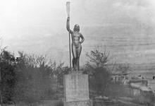 Скульптура «Девушка с веслом» на Ланжероне, 1960-е гг.