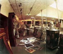 Галерея «Улисс» на 2-м этаже Дома книги. Фото в буклете «Всемирный клуб одесситов» 1994 г.