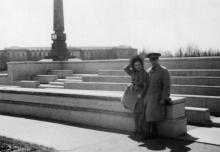 Одесса. На площади «Освобождения» возле трибун и обелиска. 1943 г.