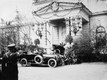 Император Николай II отправляется в кафедральный собор со станции Одесса-главная, 14 апреля 1914 г.