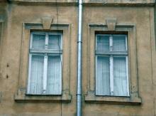Фрагмент фасада дворового корпуса дома № 19 по ул. Бунина. 2009 г.