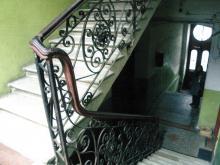 Лестницы в дворовом корпусе дома № 19 по ул. Бунина. 2009 г.