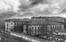 Дом № 13 по ул. Дидрихсона со стороны двора. 1943 г.