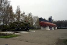 Мемориал 411 батареи. Фото О. Владимирского, апрель, 2010 г.