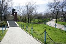 Одесса. Херсонский сквер. Фото В. Тенякова. 04 марта 2017 г.