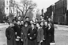 Одесса. В сквере возле дома № 7 по ул. Красной Армии. 1950-е гг.