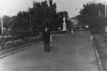Аллея с площади им. Октябрьской революции на ул. Свердлова. 1950-е гг.