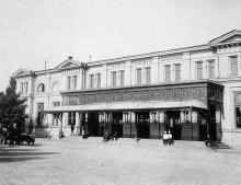 Вход в залы пассажиров II класса, со стороны Куликового поля, 1910-е годы