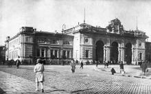 Вокзал и привокзальная площадь (1917 — 1941)