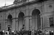Центральный вход в вокзал, весна-лето 1943 г.