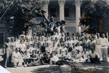 Экскурсия д/отдыха учителей в художественный музей. Одесса, 1939 г.