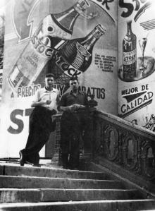 Лестница от Оперного театра к переулку Чайковского. На фоне декорации к фильму «Мексиканец» (?). 1956 г.