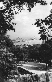 Открытка «Вид с Приморского бульвара», фотограф О. Малаховский, 1956 г.